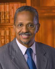 Dr Jorge Piña