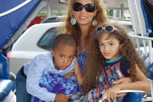 Kamilo, Karina y Kamila