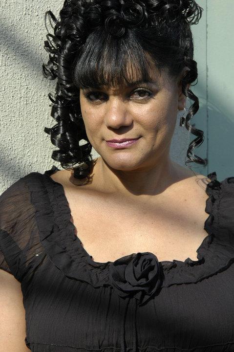 Esperanza Vasquez  (Paola Crequet)