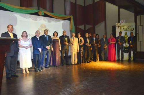 Parte de Galardonados en Premios Tainos 2013